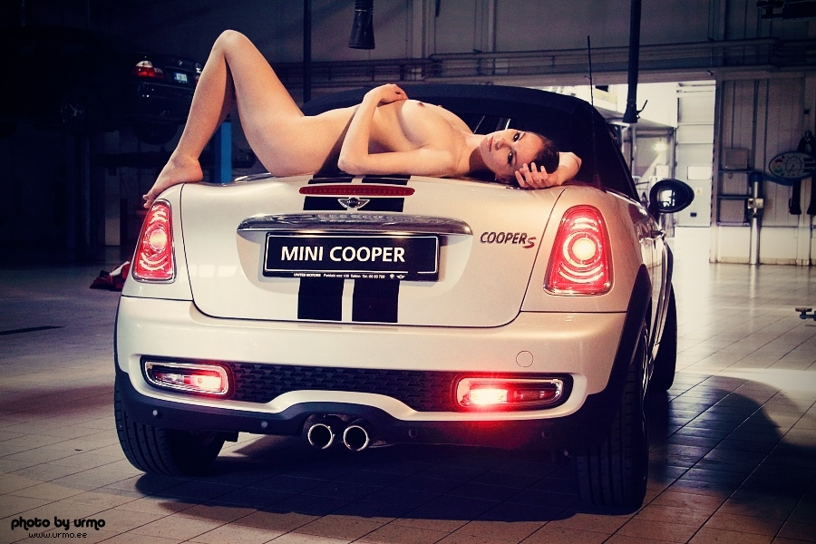 mini cooper s with chick