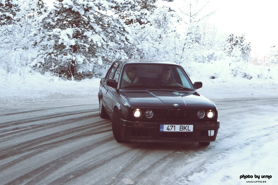 BMW E30 @ snow fun