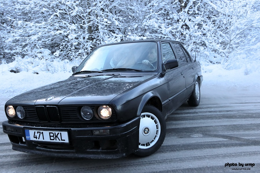 BMW E30 on ICE